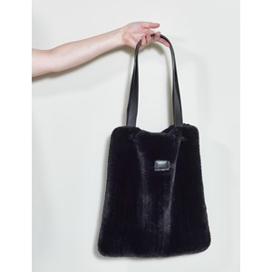 LYALL FUR BAG BLACK